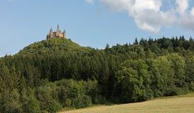 Luchtmening van beroemd Hohenzollern-Kasteel, voorouderlijke zetel van royalty-vrije stock afbeeldingen