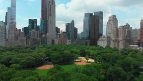 Luchtmening van Centraal park van de stad van New York stock video
