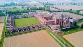 Luchtmening van Certosa-Di Pavia, het klooster en het heiligdom in de provincie van Pavia, Lombardia, Italië royalty-vrije stock foto's