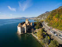 Luchtmening van Chillon-Kasteel - Chateau DE Chillon in Montreux, Zwitserland Stock Foto's