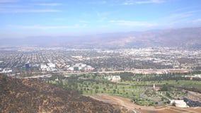 Luchtmening van cityscape van Burbank stock video