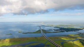 Luchtmening van Daphne, de waterkant van Alabama en brug 10 tusen staten Royalty-vrije Stock Fotografie