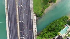 Luchtmening van de agenten van de de Stadsmarathon van Honolulu stock videobeelden