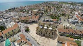 Luchtmening van de belangrijkste aantrekkelijkheid van Larnaca, Orthodoxe Kerk van Heilige Lazarus stock videobeelden