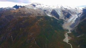 Luchtmening van de bergen Van Alaska stock afbeelding