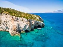 Luchtmening van de blauwe holen van Agios Nikolaos in Zakynthos Zante Royalty-vrije Stock Fotografie