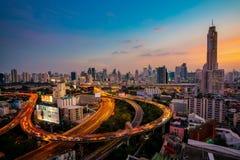 Luchtmening van de bouw van Bangkok en Uitdrukkelijke manieren stock fotografie