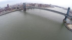 Luchtmening van de Brug van Manhattan stock footage