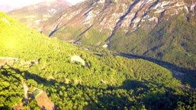 Luchtmening van de Castellane-vallei stock videobeelden