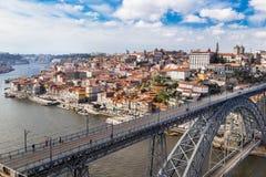 Luchtmening van de historische stad Porto, Dom Luiz-brug porto Stock Afbeeldingen