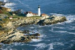 Luchtmening van de Hoofdvuurtoren van Portland, Kaap Elizabeth, Maine stock afbeeldingen