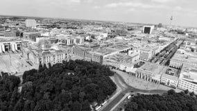 Luchtmening van de horizon van Berlijn vanaf 17 Juni weg, Duitsland Stock Afbeeldingen