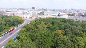 Luchtmening van de horizon van Berlijn vanaf 17 Juni weg, Duitsland Royalty-vrije Stock Fotografie