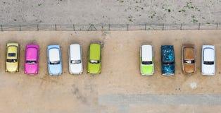 Luchtmening van de kleurrijke kleine auto's stock afbeeldingen