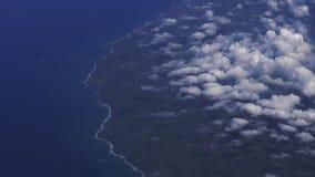 Luchtmening van de kustlijn van het het noordeneiland van Nieuw Zeeland