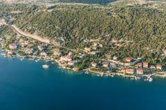 Luchtmening van de kustlijn van Kroatië Rabeiland Stock Afbeeldingen