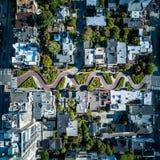 Luchtmening van de Lombard straat in San Francisco stock fotografie