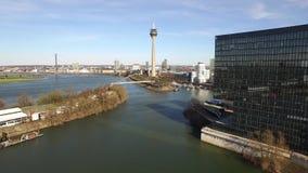 Luchtmening van de de Media van Dusseldorf haven in Duitsland - Europa stock footage