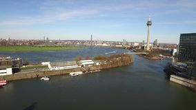 Luchtmening van de de Media van Dusseldorf haven in Duitsland - Europa stock video