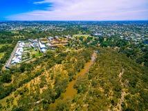 Luchtmening van de Polytechnische school van Melbourne en Yarra-Rivier, Australië Stock Afbeeldingen
