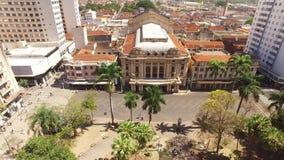 Luchtmening van de stad van Ribeirao Preto in Sao Paulo, Brazilië stock video