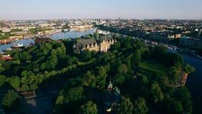 Luchtmening van de stad van Stockholm stock footage
