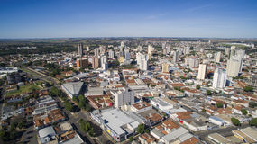 Luchtmening van de stad van Aracatuba in de staat van Sao Paulo in Brazi royalty-vrije stock foto's
