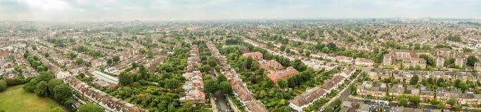 Luchtmening van de voorstad van Londen stock foto