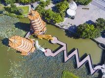 Luchtmening van Draak en Tiger Pagodas in Lotus Pond, Kaohsiung royalty-vrije stock foto