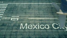 Luchtmening van een vliegtuig die aan de luchthaven van Mexico-City aankomen Reis naar het 3D teruggeven van Mexico Stock Afbeeldingen