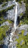 Luchtmening van een waterval in Val di Mello Val Masino, Valtellina, Sondrio Italië Royalty-vrije Stock Foto's