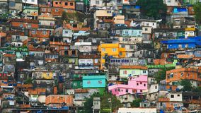 Luchtmening van favela van Rio ` s Rocinha, op een zonnige middag royalty-vrije stock foto's