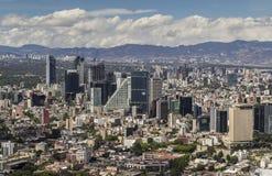 Luchtmening van financiële het districtsreforma van Mexico-City Stock Afbeeldingen