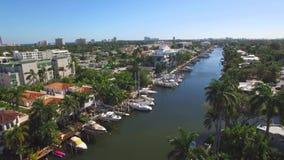 Luchtmening van Fort Lauderdalekanalen stock videobeelden