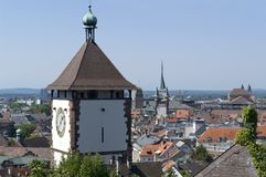 Luchtmening van Freiburg-im-Breisgau in zonnige sfeer royalty-vrije stock foto's