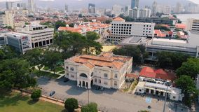 Luchtmening van Georgetown Penang, Maleisië stock video