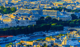 Luchtmening van Grote Palais van Eiffel Towe Stock Foto