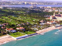 Luchtmening van het Golfcursus van Palm Beachbrekers Stock Foto