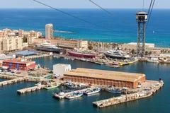 Luchtmening van het Havendistrict in Barcelona, Spanje Panoramakustlijn Royalty-vrije Stock Afbeeldingen