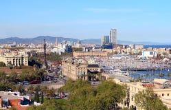 Luchtmening van het Havendistrict met Columbus colomn en Ramblas in Barcelona, Spanje Royalty-vrije Stock Afbeelding