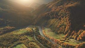 Luchtmening van het mooie landschap van de de herfstberg Stock Afbeelding