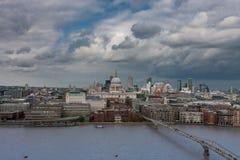 Luchtmening van het noordenbank van de rivier Theems in Londen Royalty-vrije Stock Afbeelding