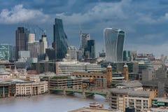 Luchtmening van het noordenbank van de rivier de wolkenkrabber van Theems, Londen Stock Fotografie