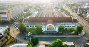 Luchtmening van het station van Djakarta Kota stock videobeelden