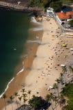 Luchtmening van het strand en de buurthuizen van Urca, Rio de Janeiro, Brazilië. Royalty-vrije Stock Foto