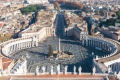 Luchtmening van het Vierkant van Heilige Peter ` s in Vatikaan en Rome Schuine standen Royalty-vrije Stock Afbeelding