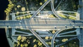 Luchtmening van hommel op de weg royalty-vrije stock fotografie