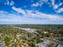 Luchtmening van huizen in de voorsteden in Melbourne, Australië Stock Foto's