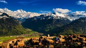 Luchtmening van Interlaken en Zwitserse Alpen van Hardere Kulm-mening p Royalty-vrije Stock Afbeeldingen