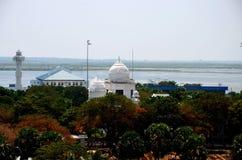 Luchtmening van Jaffna-stad met de witte bibliotheekbouw & overzees en kunstmatig meer Sri Lanka Stock Fotografie